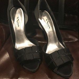 Nina Elanna Black Luster Heel Pump Size 9.5 NIB